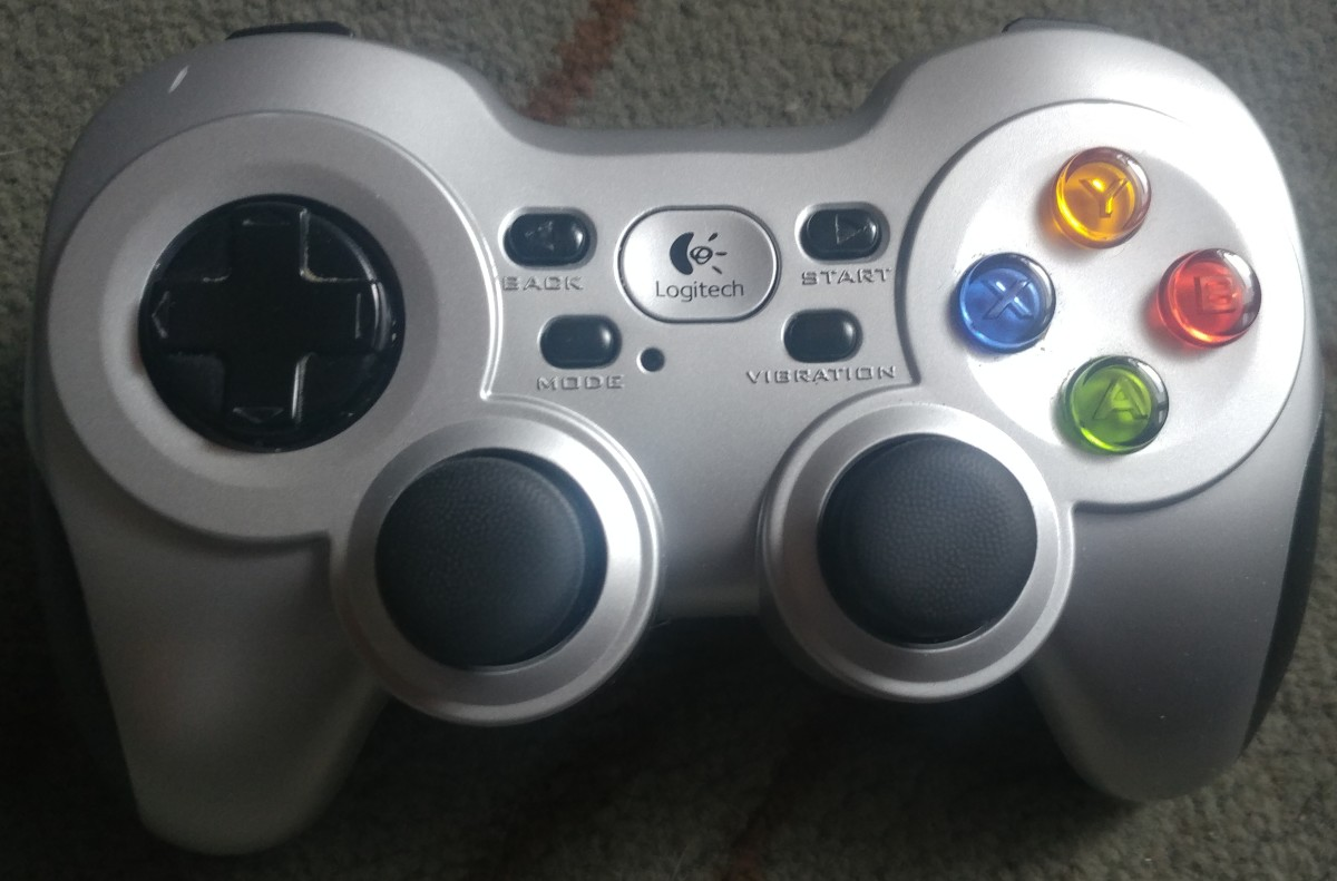 My controller looks very used. I need to clean it. But I wanted to show that I do use this controller often, though.