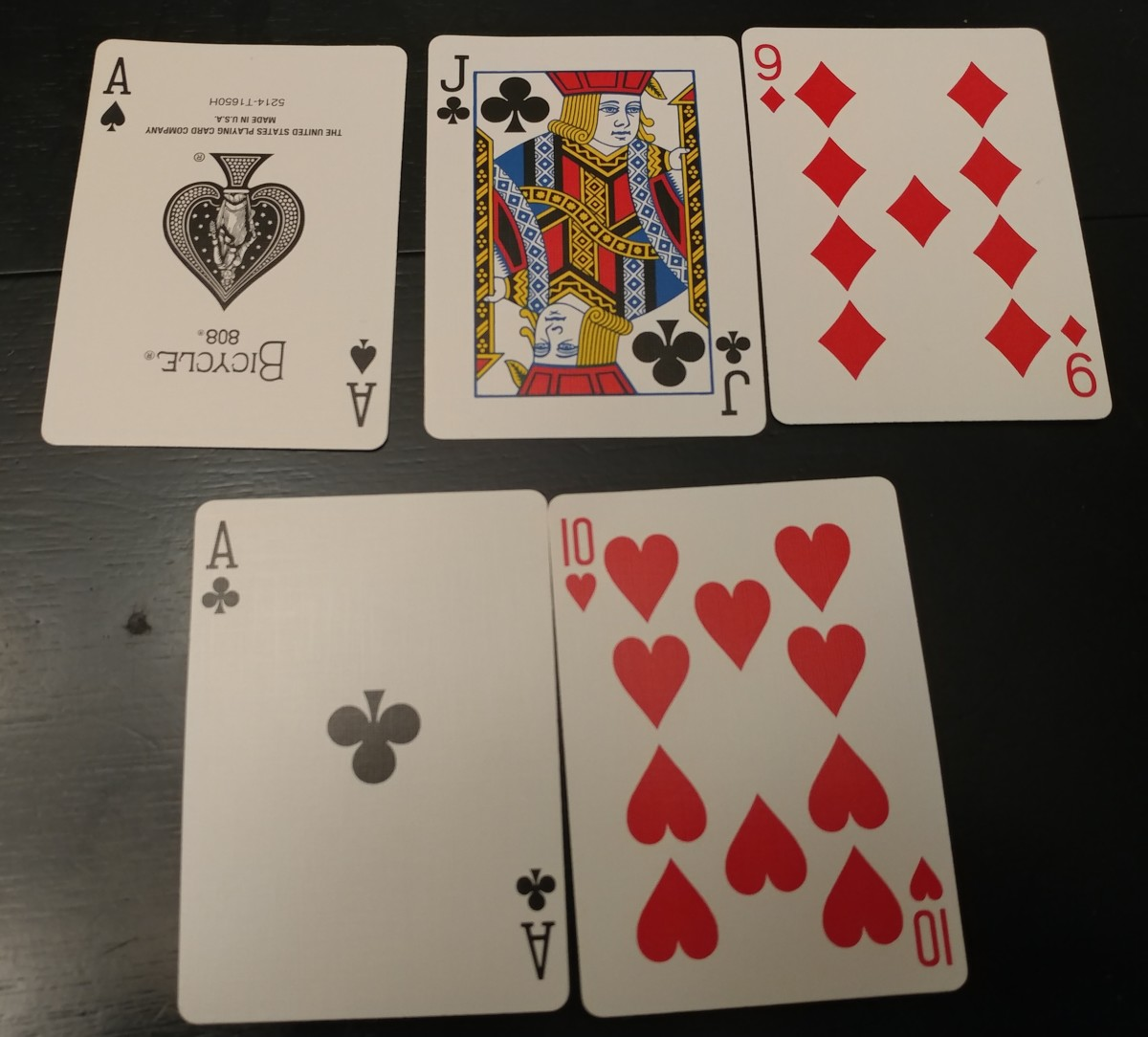 This is a single pair hand.