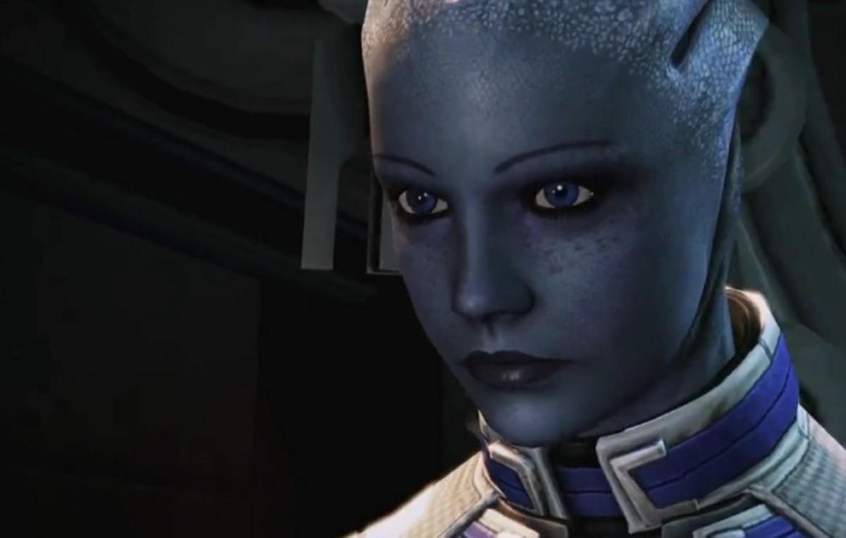 "Liara listens to Shepard sweet talk her in ""Mass Effect 3."""