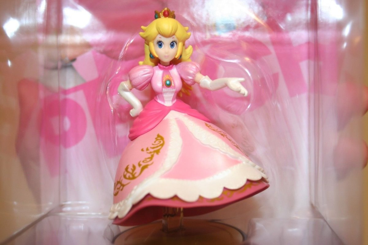 Peach - No Legs Amiibo