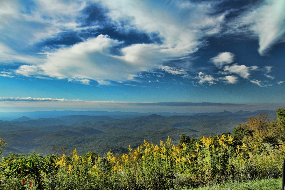 A Mountain Poem: Southern Mountains in Autumn