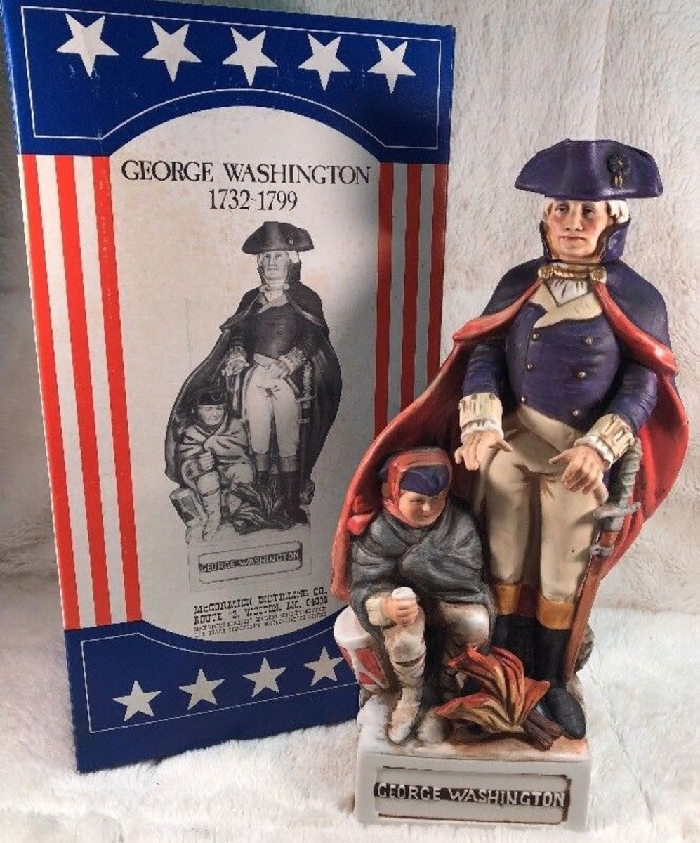 Beautiful McCormick porcelain decanter figurine.of the first President of the United States, made for the Bicentennial year 1976.