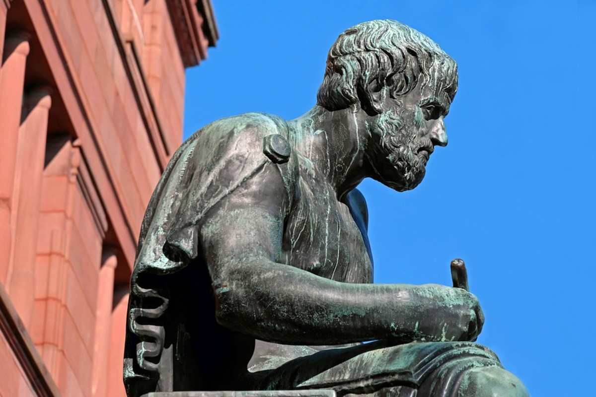 Things You Must Know About Aristotle's Theory of Drama in Poetics