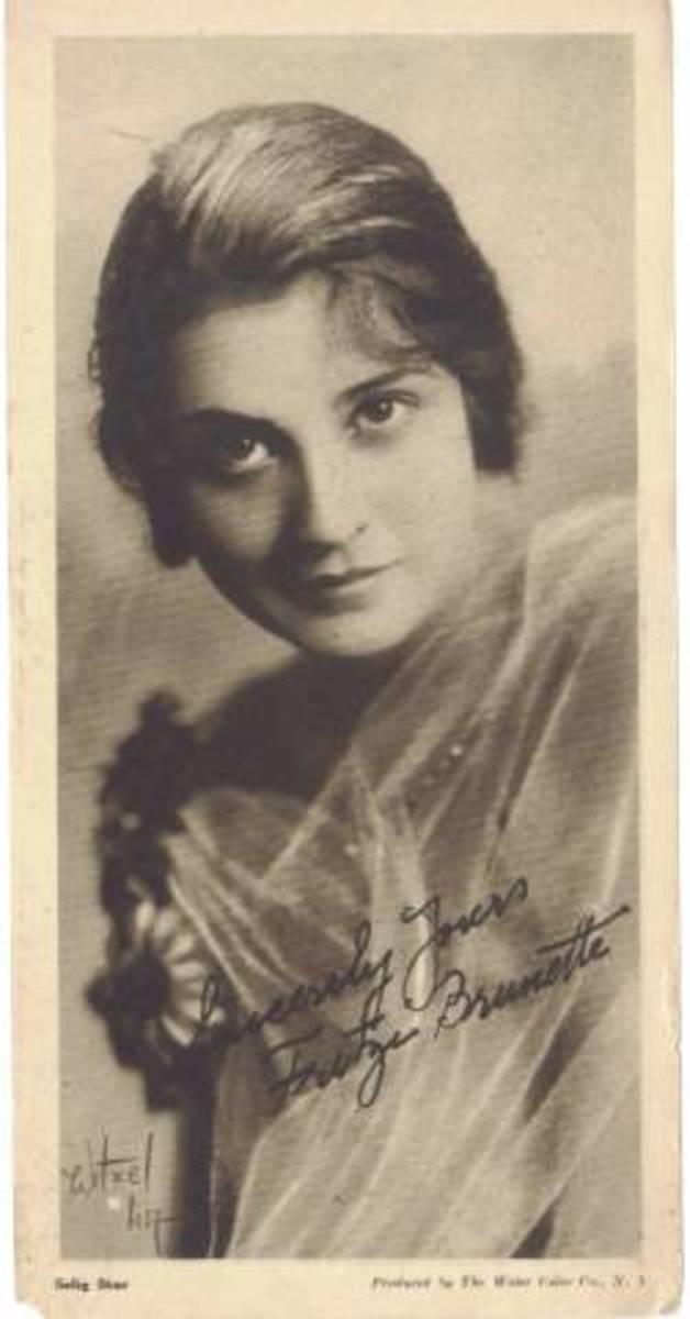 Fritzi Brunette.