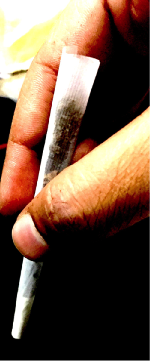 this-is-how-an-average-joe-rolls-a-joint