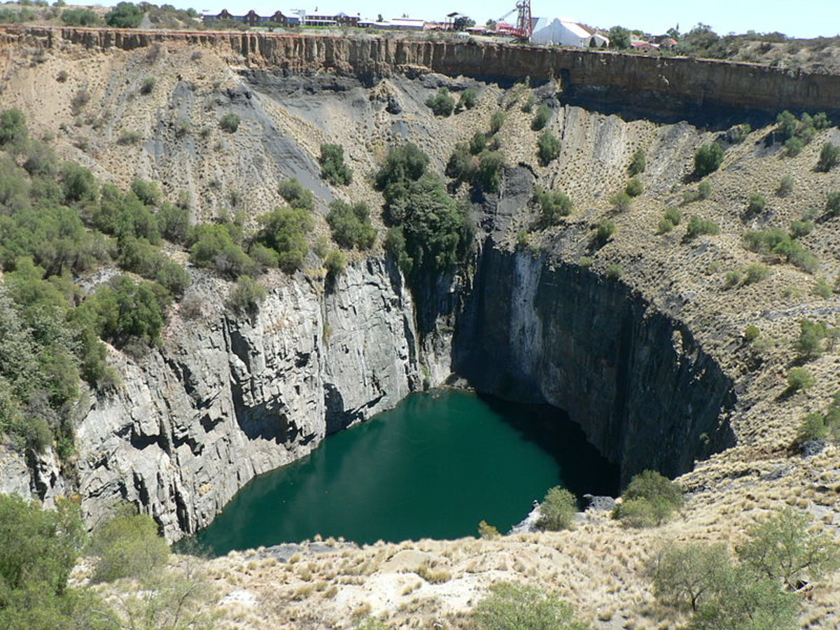 The famous Big Hole. This was a mine shaft that eventually topped up with water.