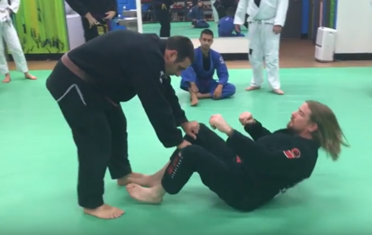 """How to Defend the Toreando """"Bullfighter"""" Guard Pass"""