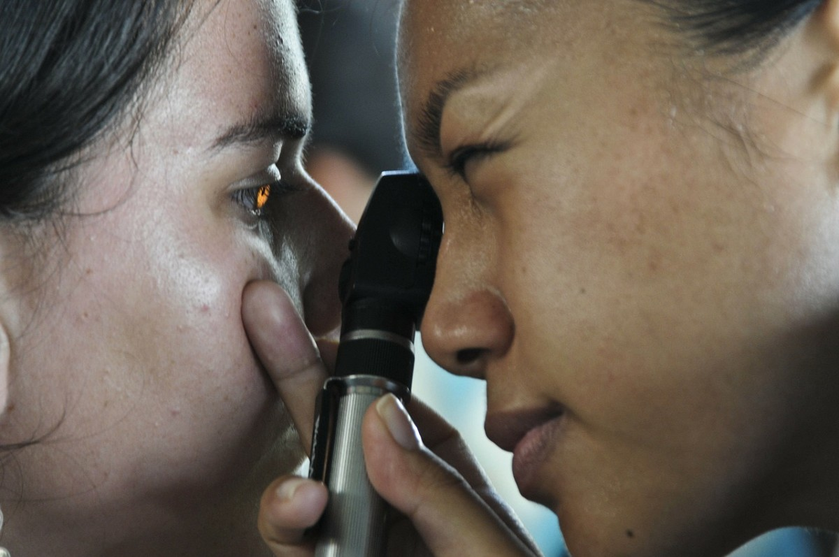 It is important to see an eye doctor if you have this problem, to rule out serious conditions