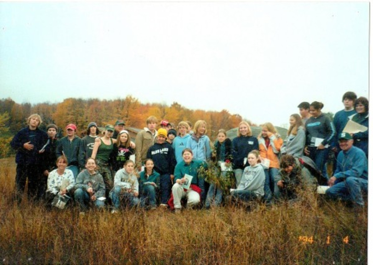 Sandy with one of her classes on the annual glacial geology field trip.