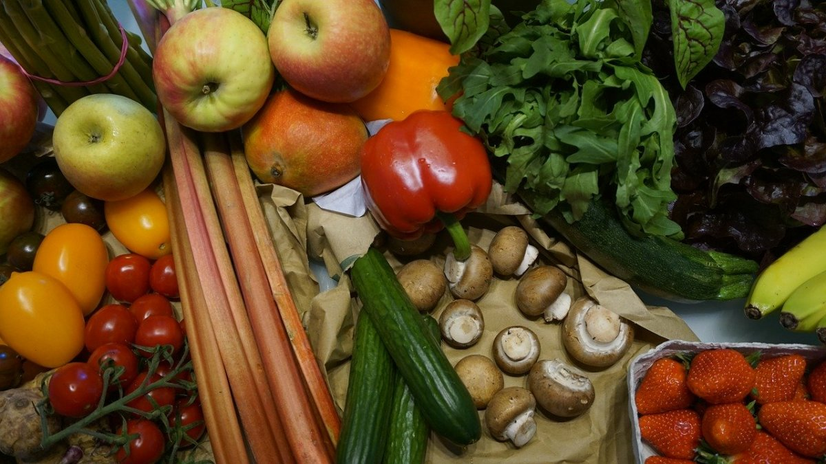 Fruits, vegetables and protein may help improve your vision.
