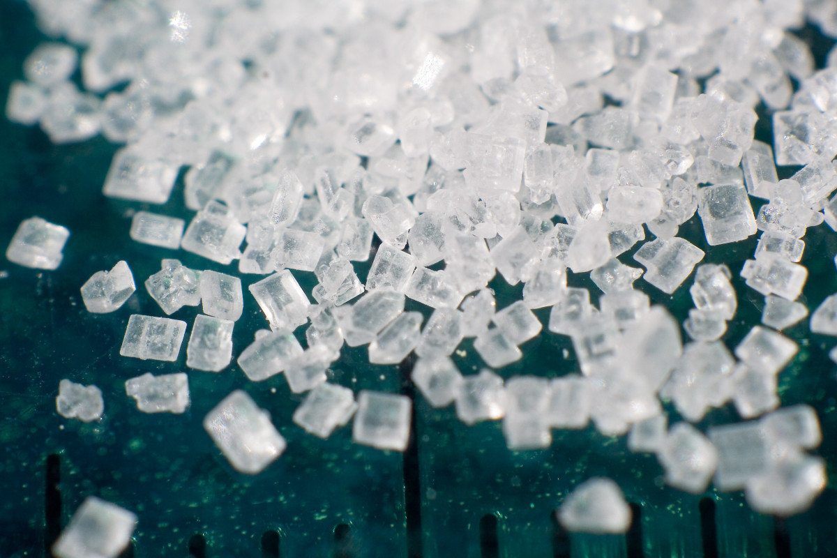 White sugar crystals