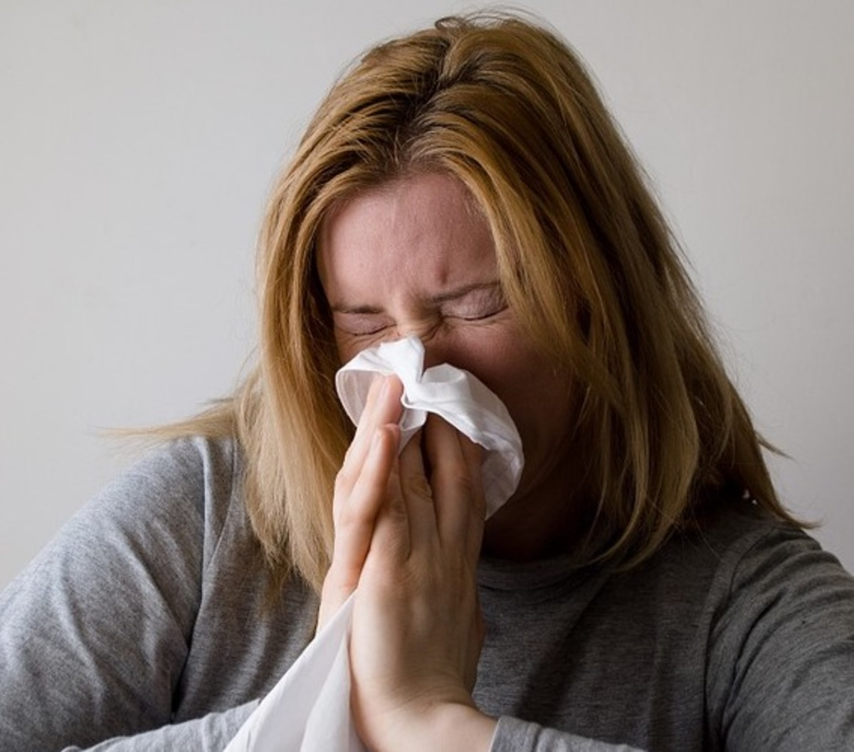 Having a cold is no fun, and all of the common remedies are bogus. Read below to find out what you should and shouldn't be doing to treat your cold.