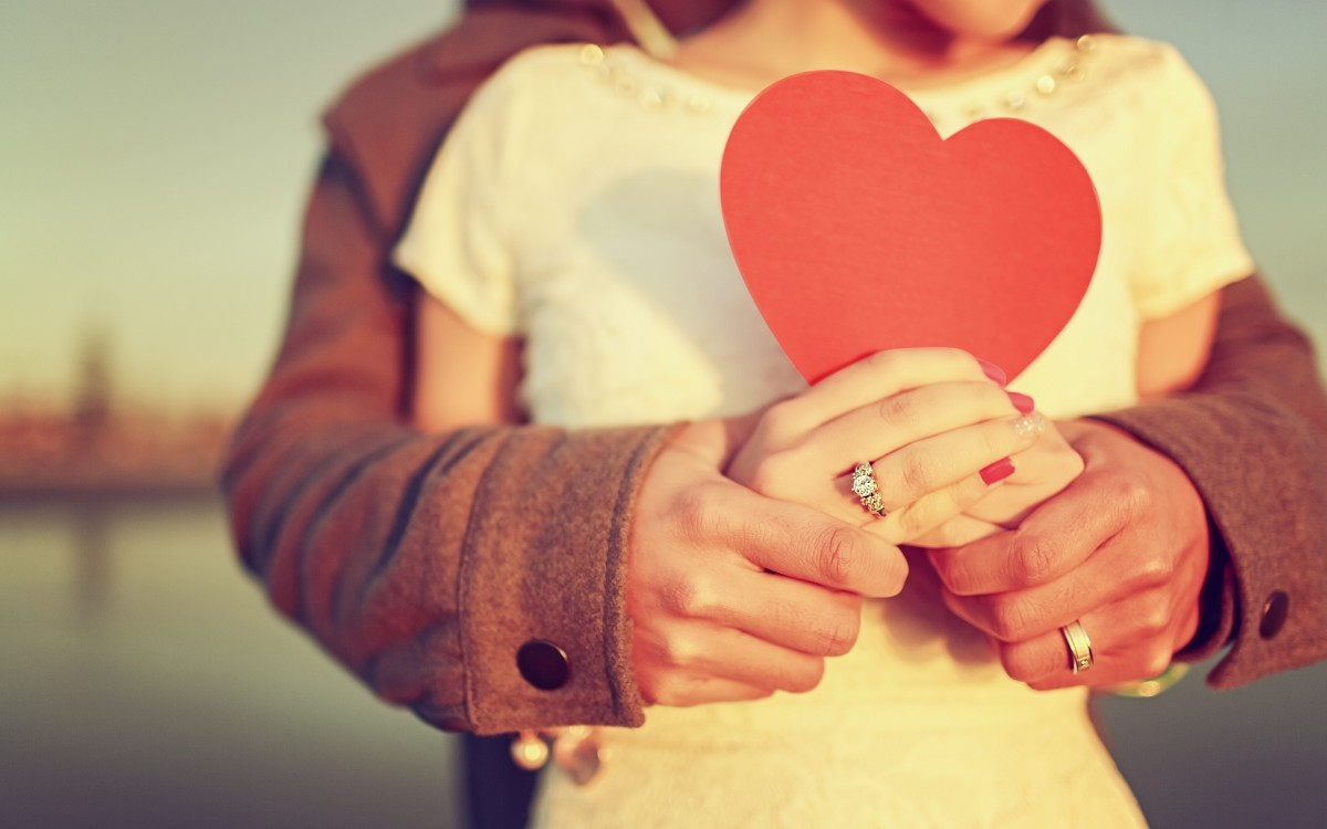 Ways to Be Romantic on a Budget