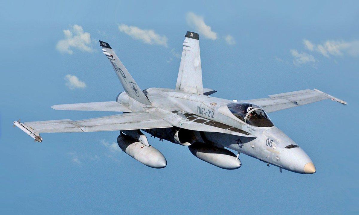 USMC F-18
