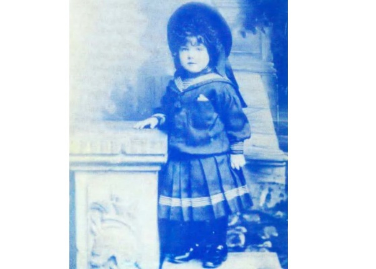 Edna Wright, aged 4, 1907 at St Faith's Home for Girls, Parkstone, Poole