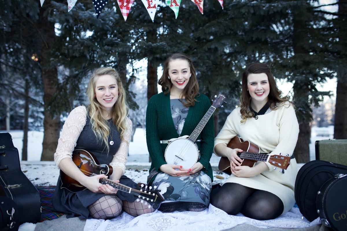 The Dearhearts (L to R): Lauren Hamm, Lauren de Graaf, Alix Cowman