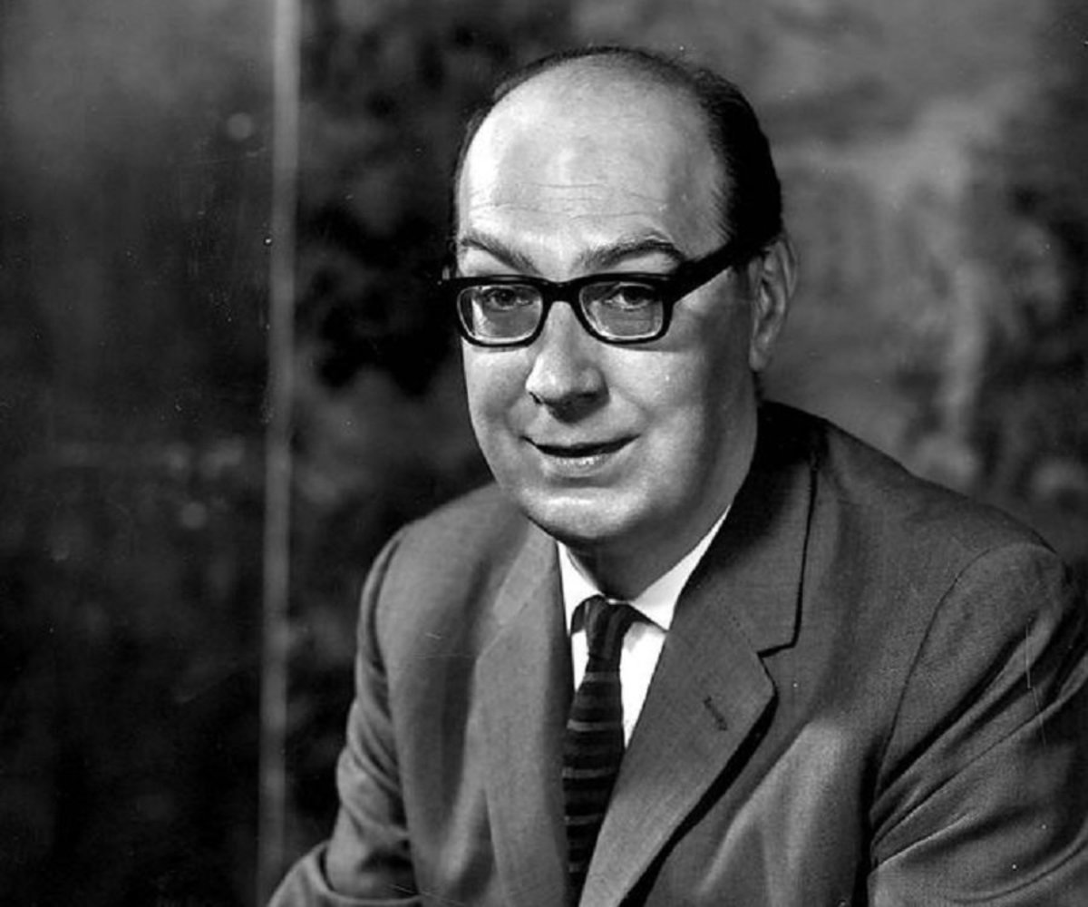 """Analysis of Poem """"The Trees"""" by Philip Larkin"""