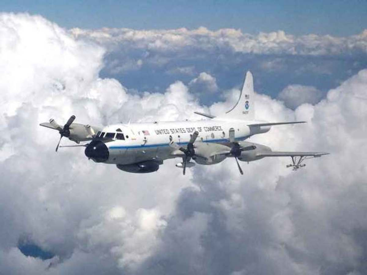 A NOAA hurricane hunter in action
