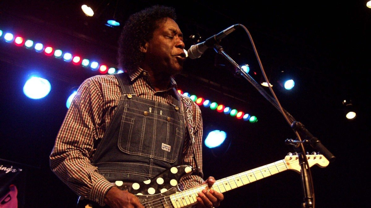 The great Buddy Guy with one of his polka dot Strats