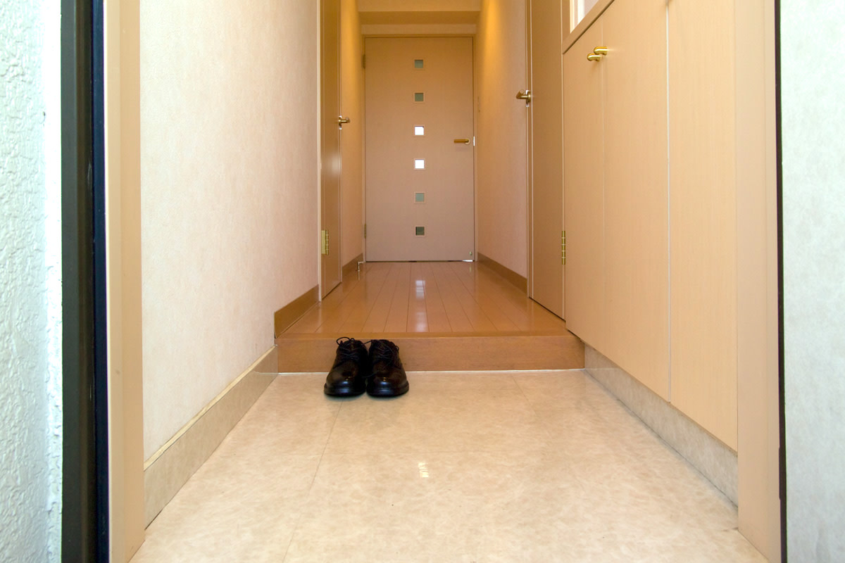 A Japanese entryway (genkan)