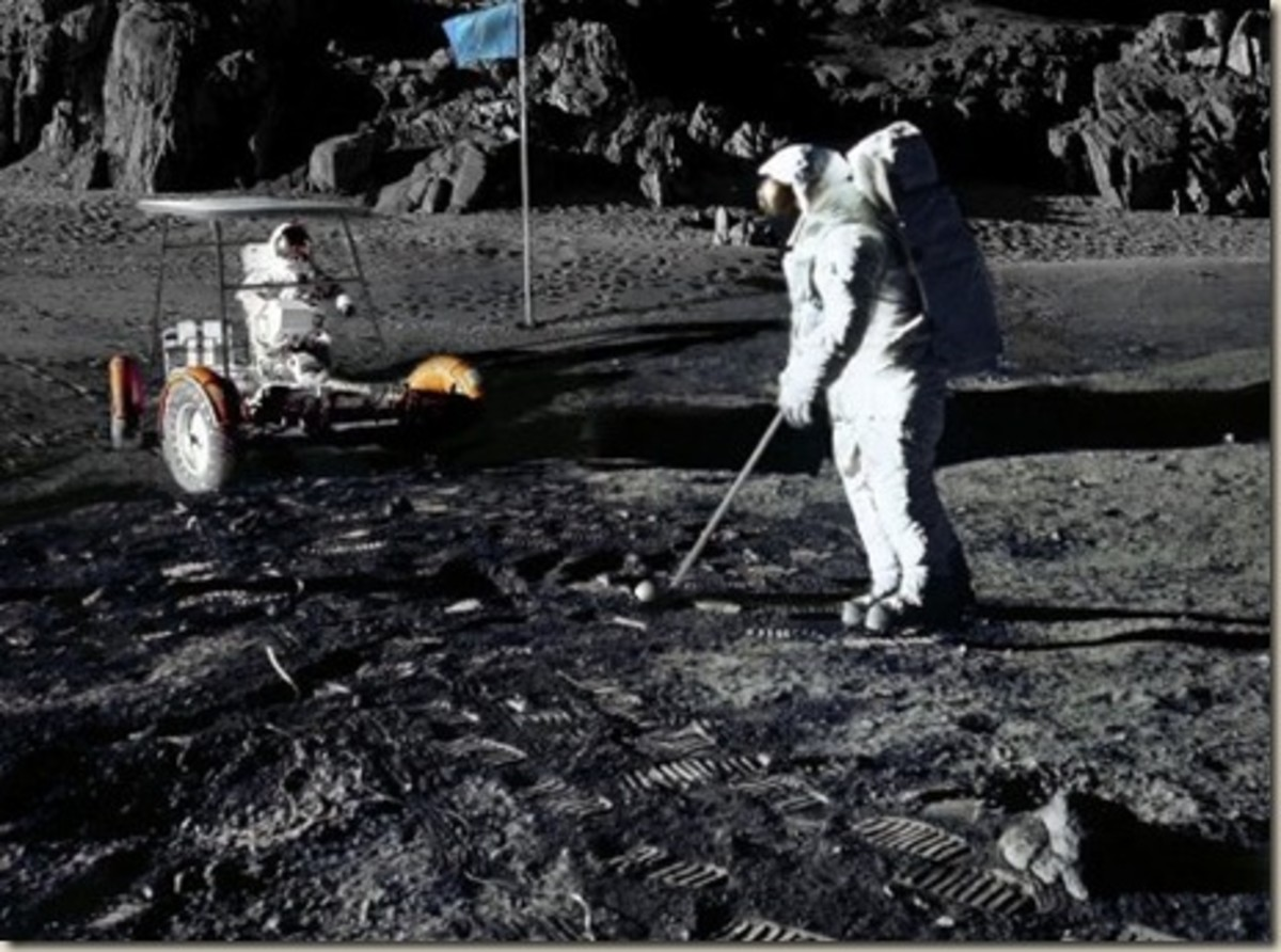 golf-on-the-moon-frisbee-on-mars