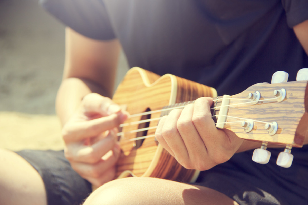 How to Strum the Ukulele