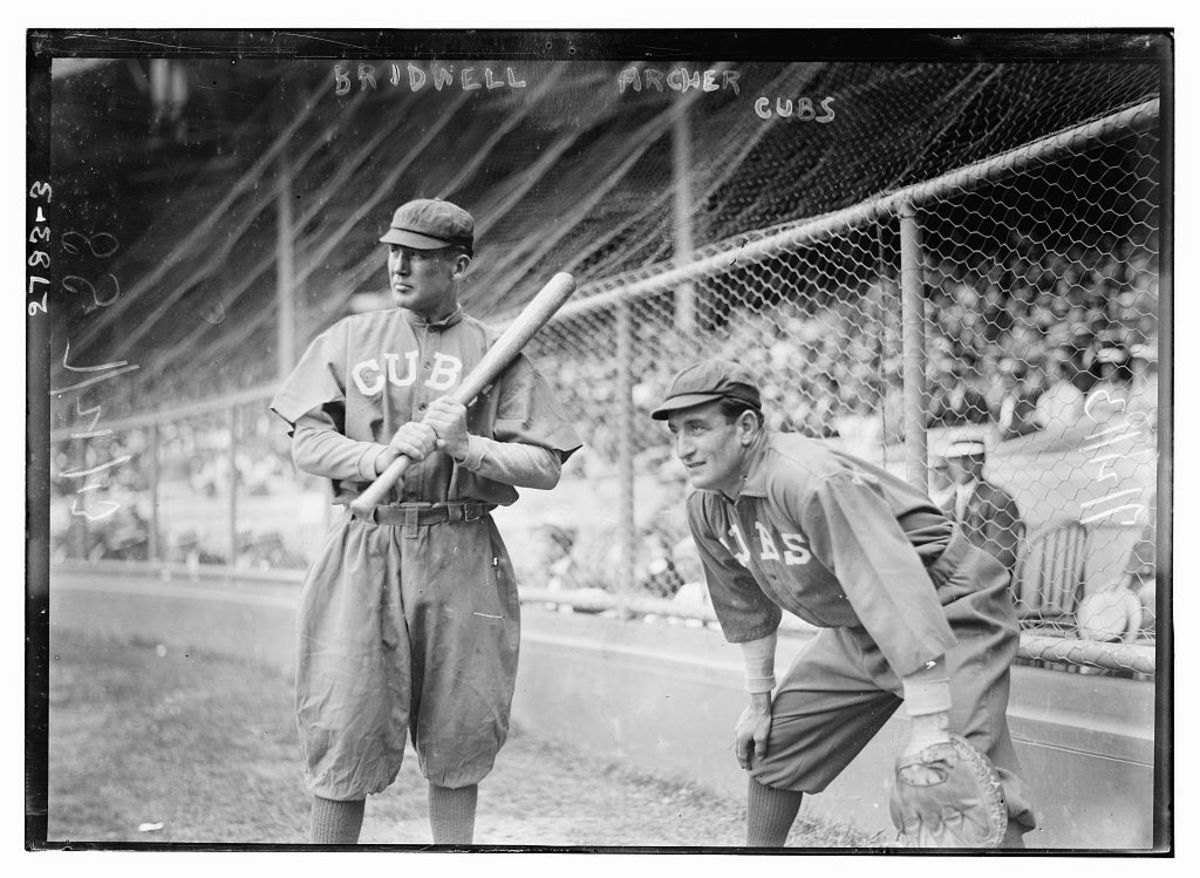 Chicago Cubs Al Bridwell and Jimmy Archer in 1913.
