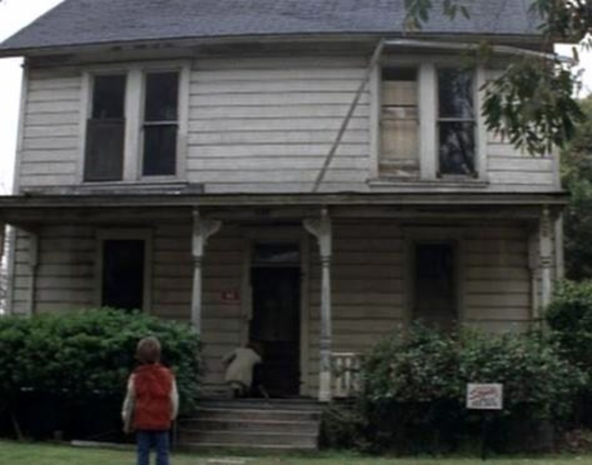 The Suspenseful Pacing of John Carpenter's 'Halloween' (1978)