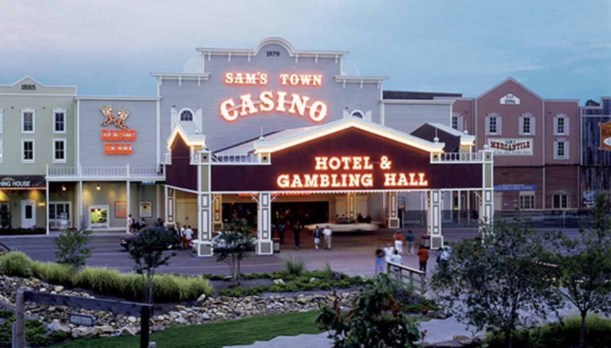 Traveling Around: A Fragmented Week in the Casinos of Tunica, MS