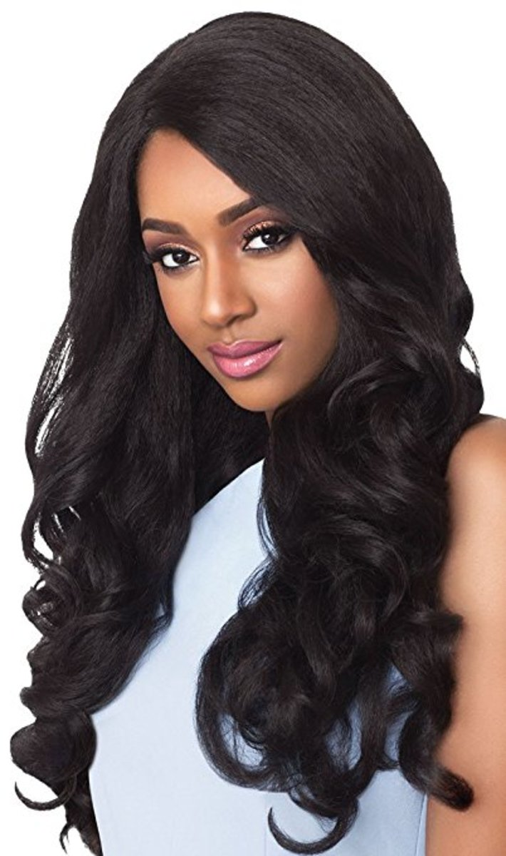 This Outre Stunna Wig review looks at the lacefront wig this model shows.