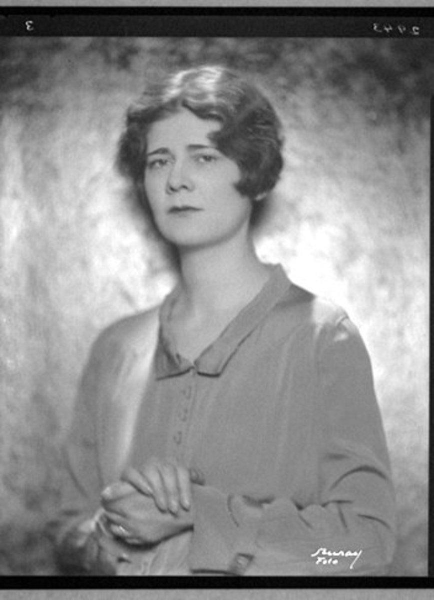 "Analysis of Poem ""Wild Peaches"" by Elinor Wylie"