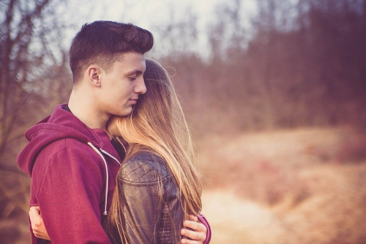 Why Is He Afraid to Commit? 7 Reasons Your Man May Be Dragging His Feet