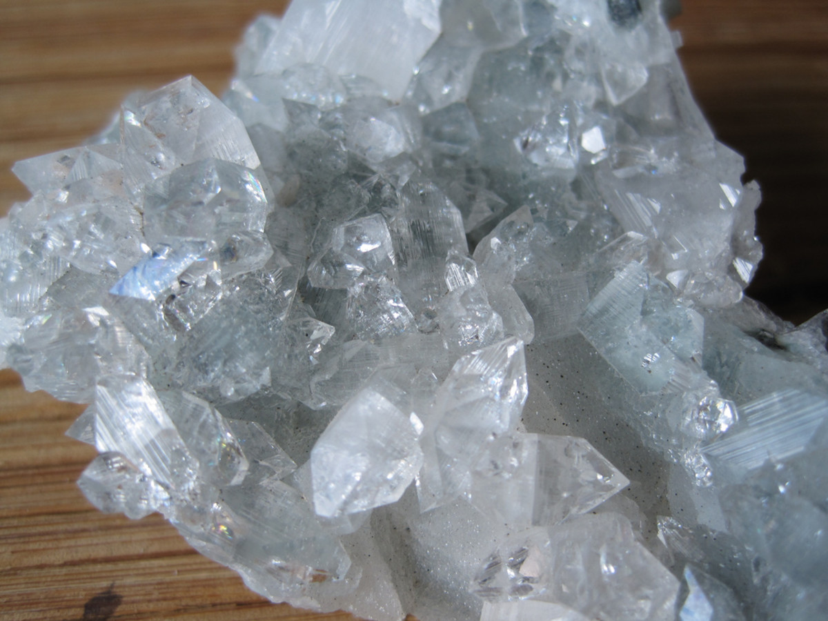 Apophyllite crystals in their raw state.