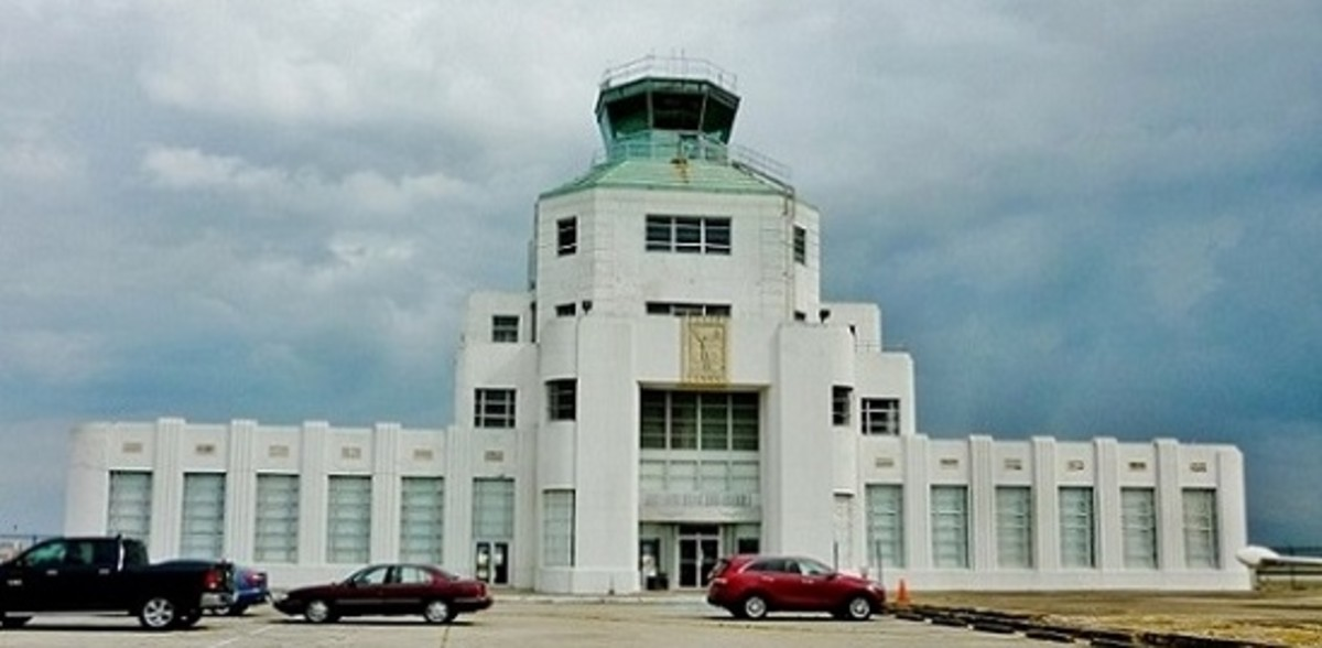 1940 Air Terminal Museum in Houston Showcases Civil Aviation History
