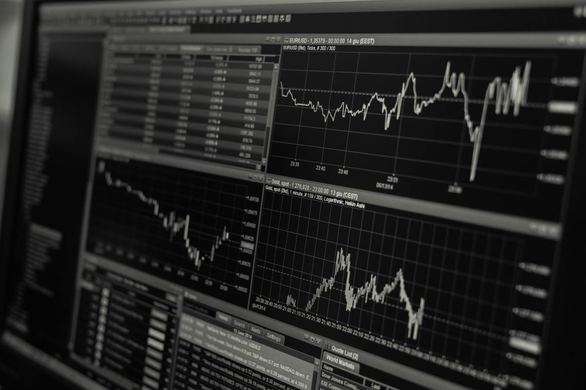 This article will break down the different kinds of shares and stocks, so that you can make smart investment choices.