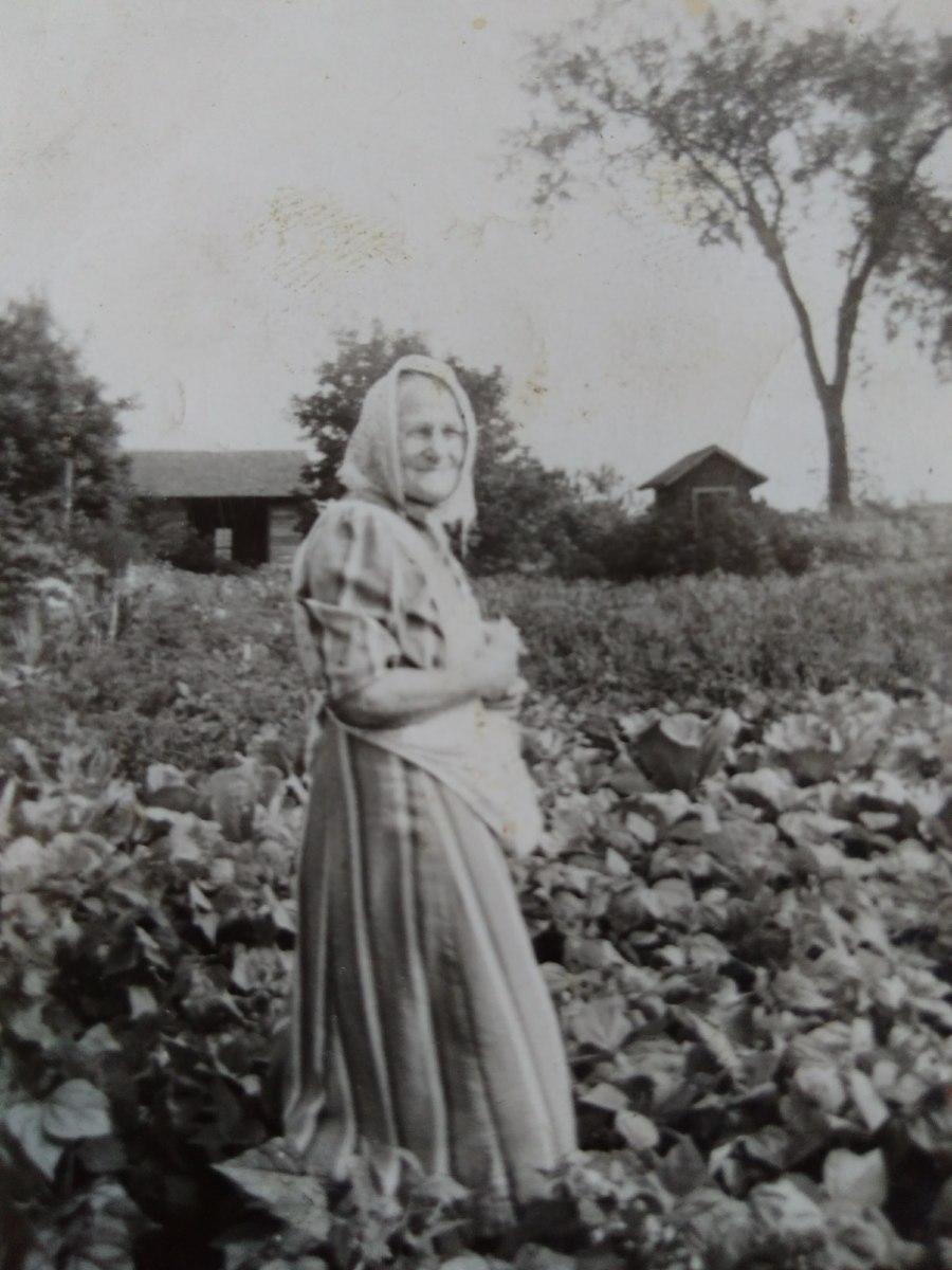 My little grandma:  Theresa Treml Drexler.  Picture taken probably in the 1940s