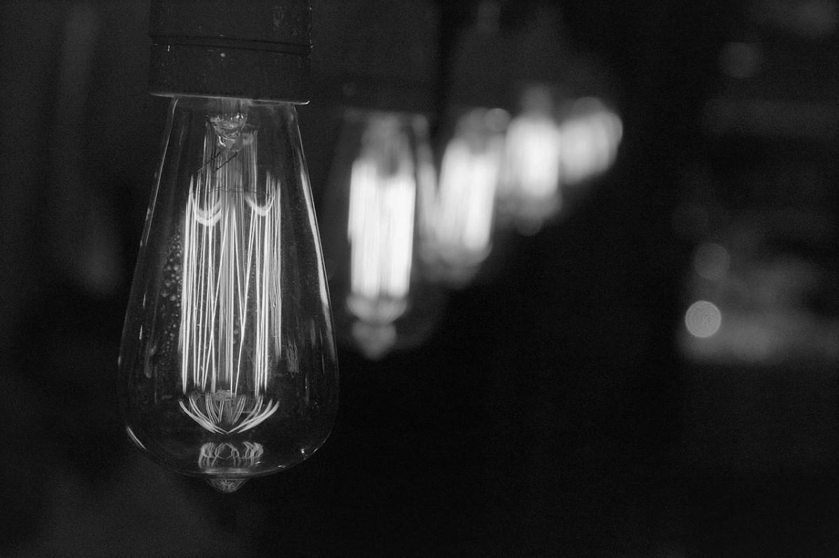 10,000 Light Bulbs: The Story of the Chrysler Building