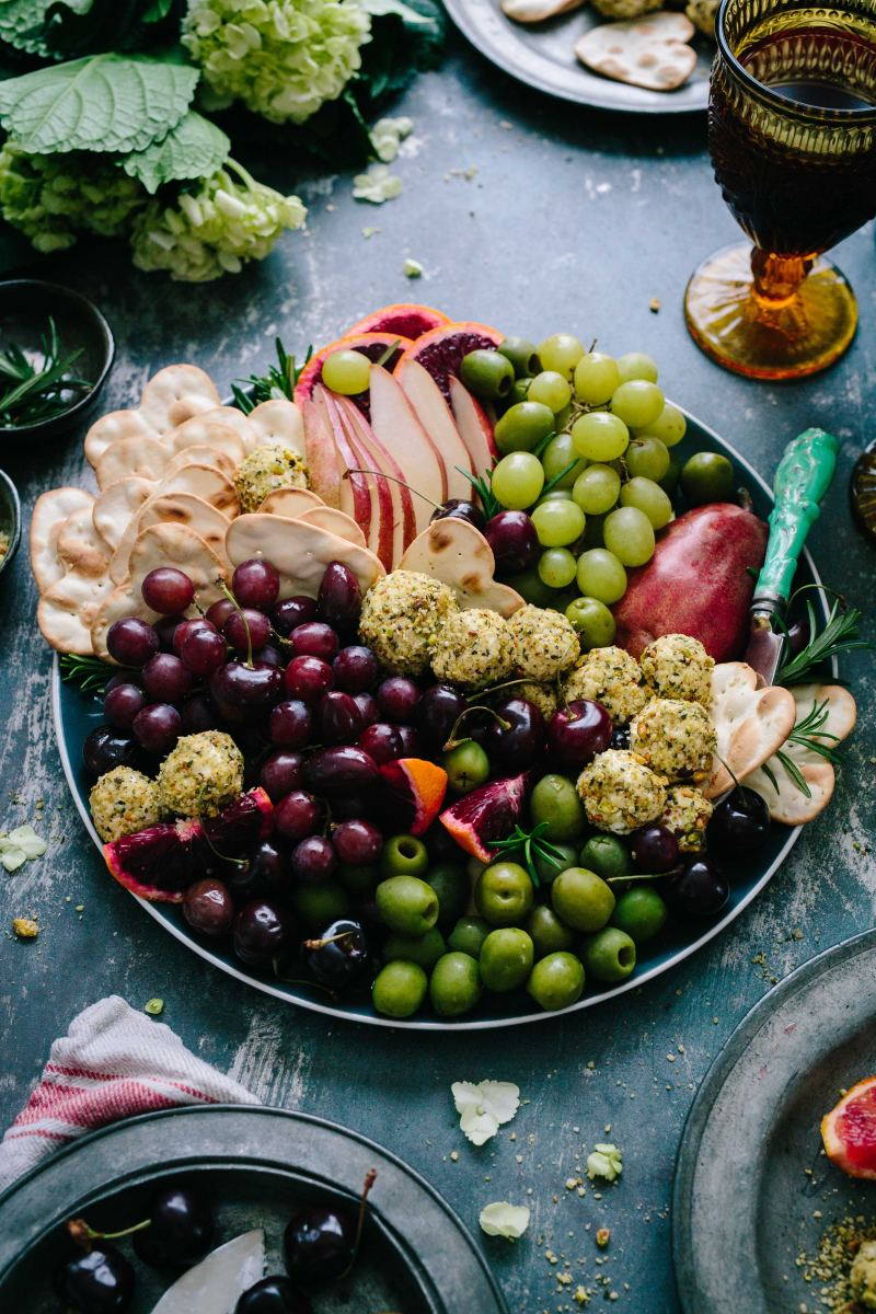 8-foods-a-nutritional-researcher-eats-every-day-and-why