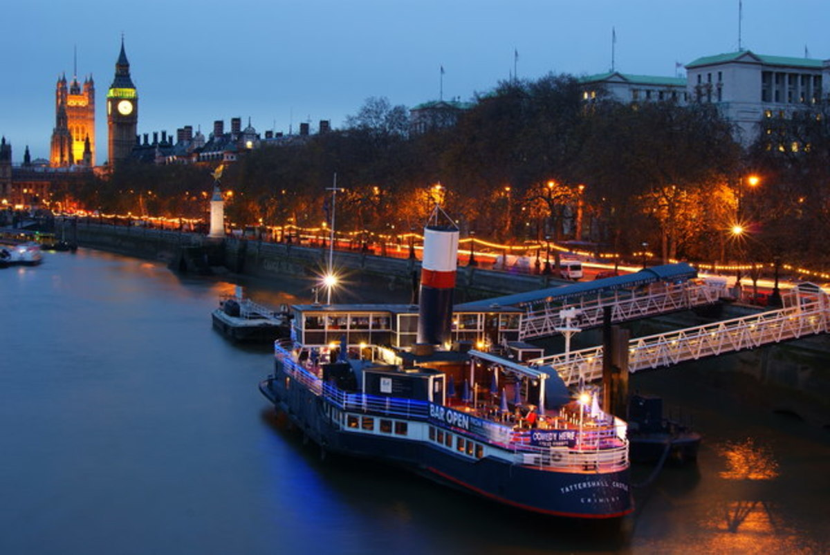 The Embankment, with floating bar, the Tattershall Castle, a former ferry.