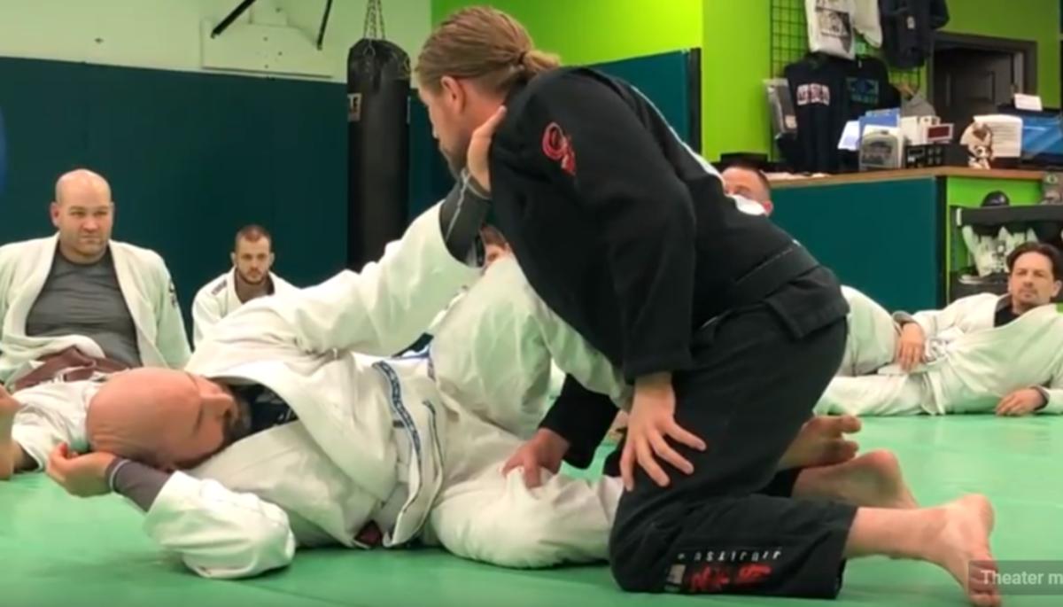 How to Pass Scissor Half Guard (Z Guard)