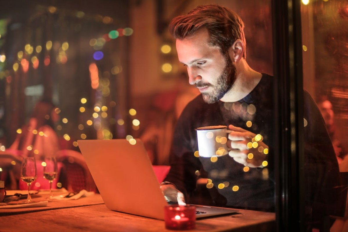 What is the connection between internet use and social isolation? Do socially isolated people simply gravitate to the internet, or does internet use actually cause people to become more socially isolated?