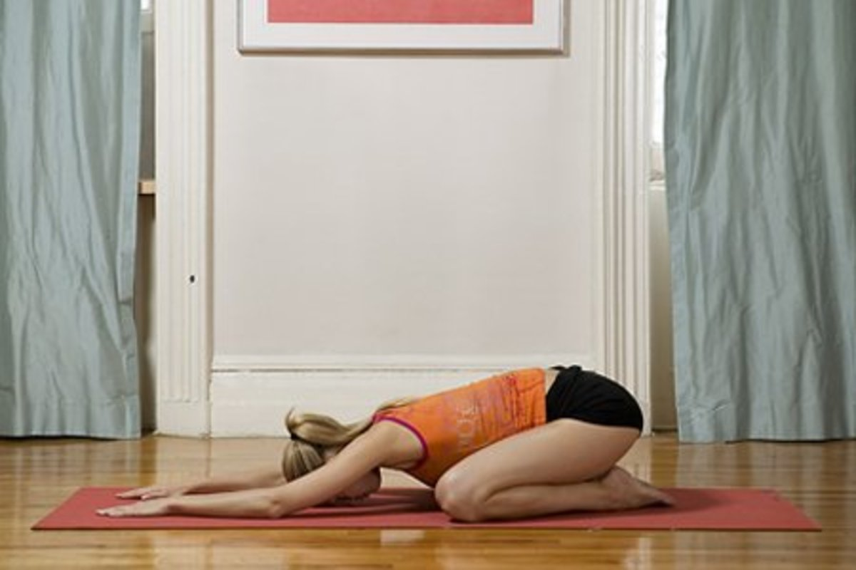 10 Yoga Poses for Anxiety Relief (With Pictures)