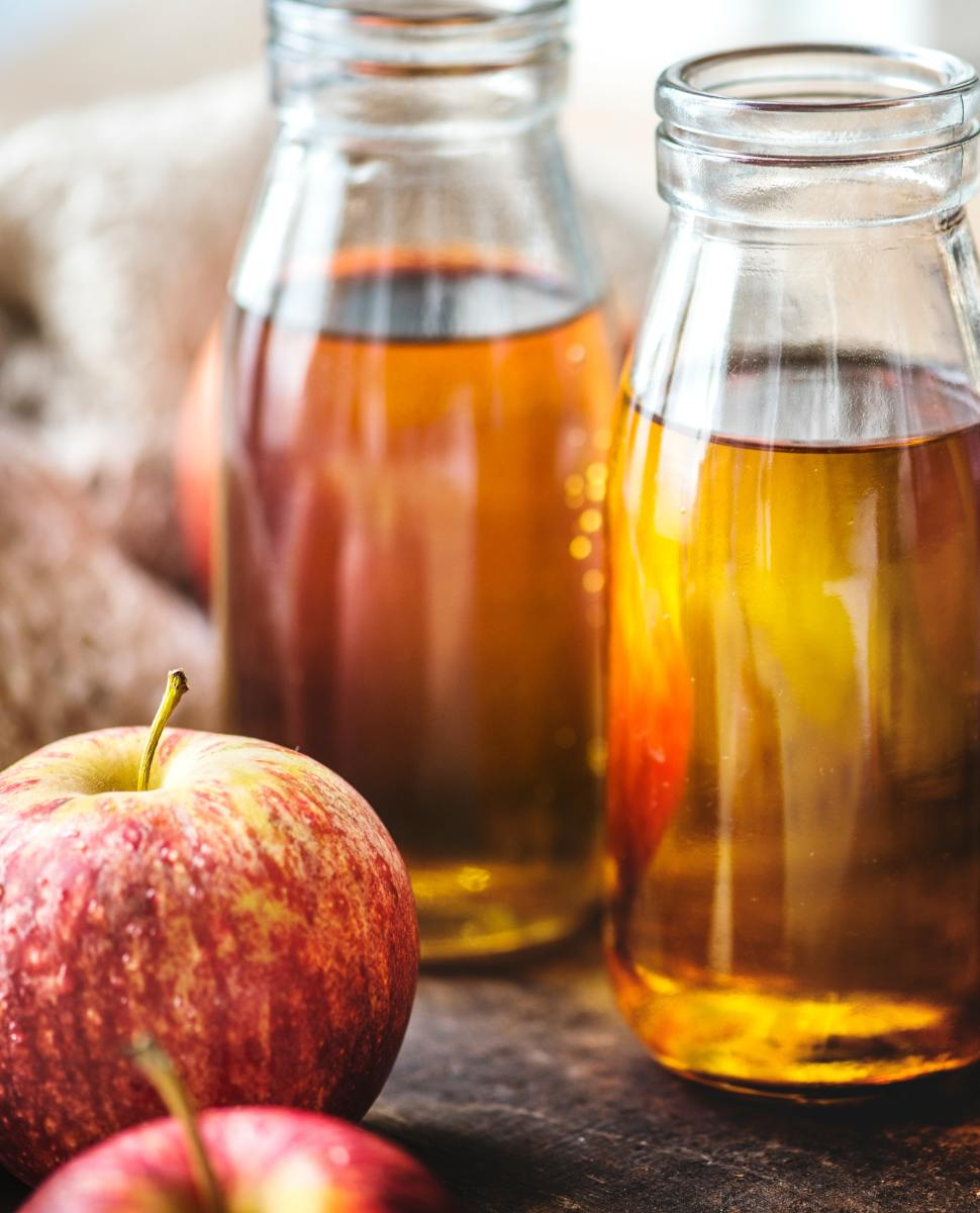 5 Benefits and Uses of Natural Apple Cider Vinegar