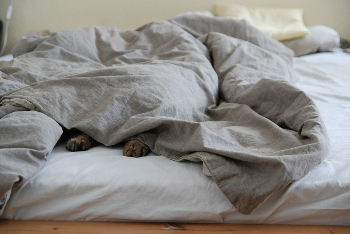 A weighted blanket applies deep pressure to your body to help you feel calm.