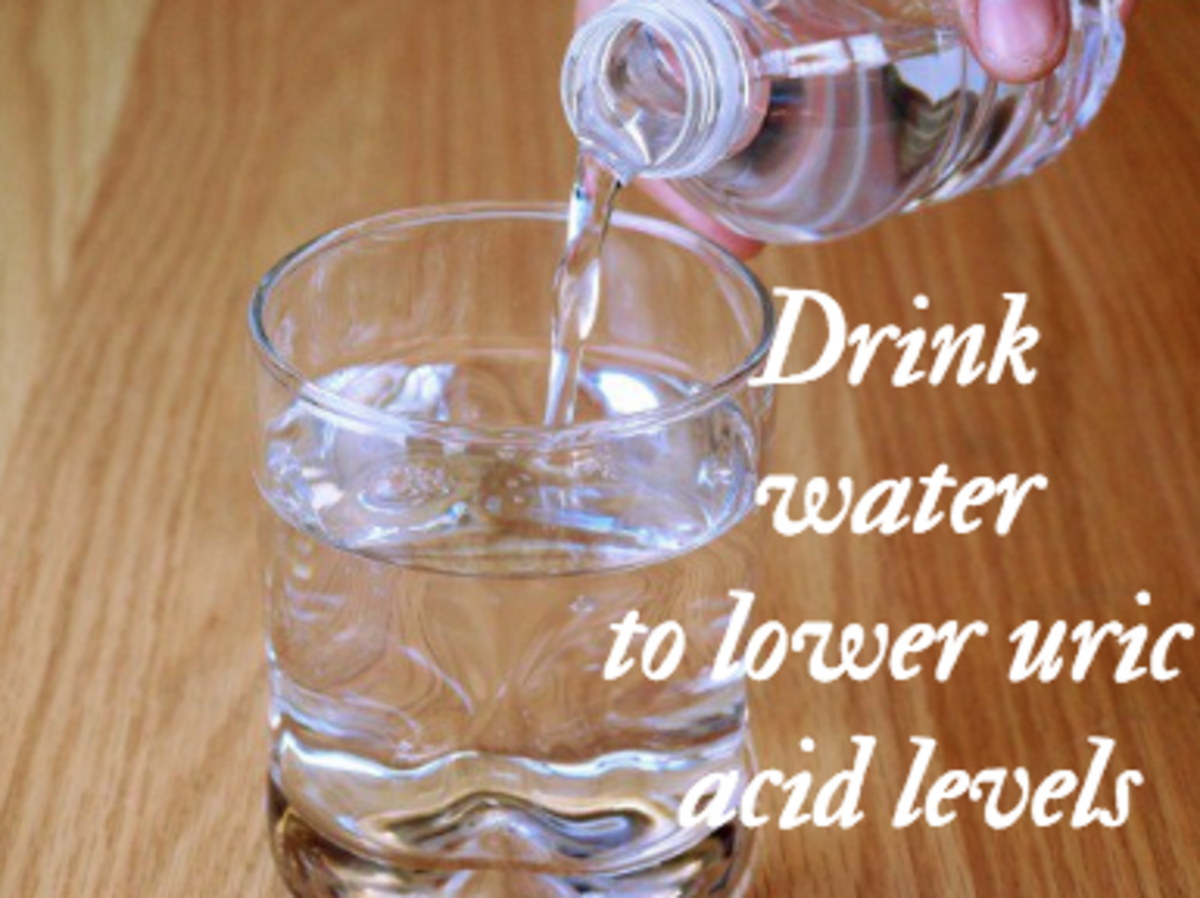 Drinking water helps to lower your uric acid levels.