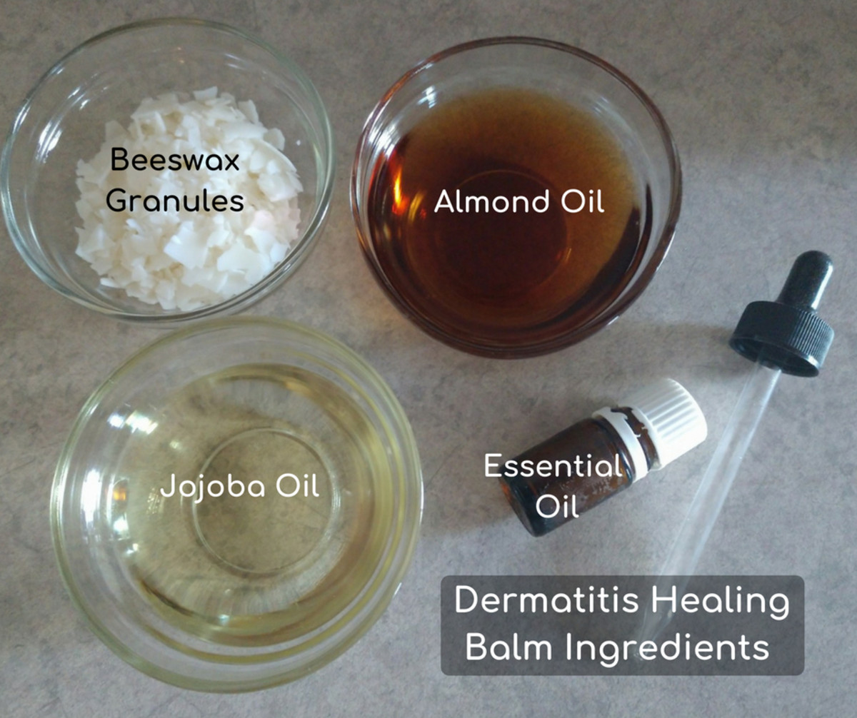 The ingredients for this dermatitis healing balm are pretty simple.