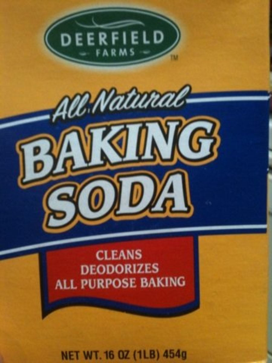 Baking soda and water are a mild remedy for mosquito bites.
