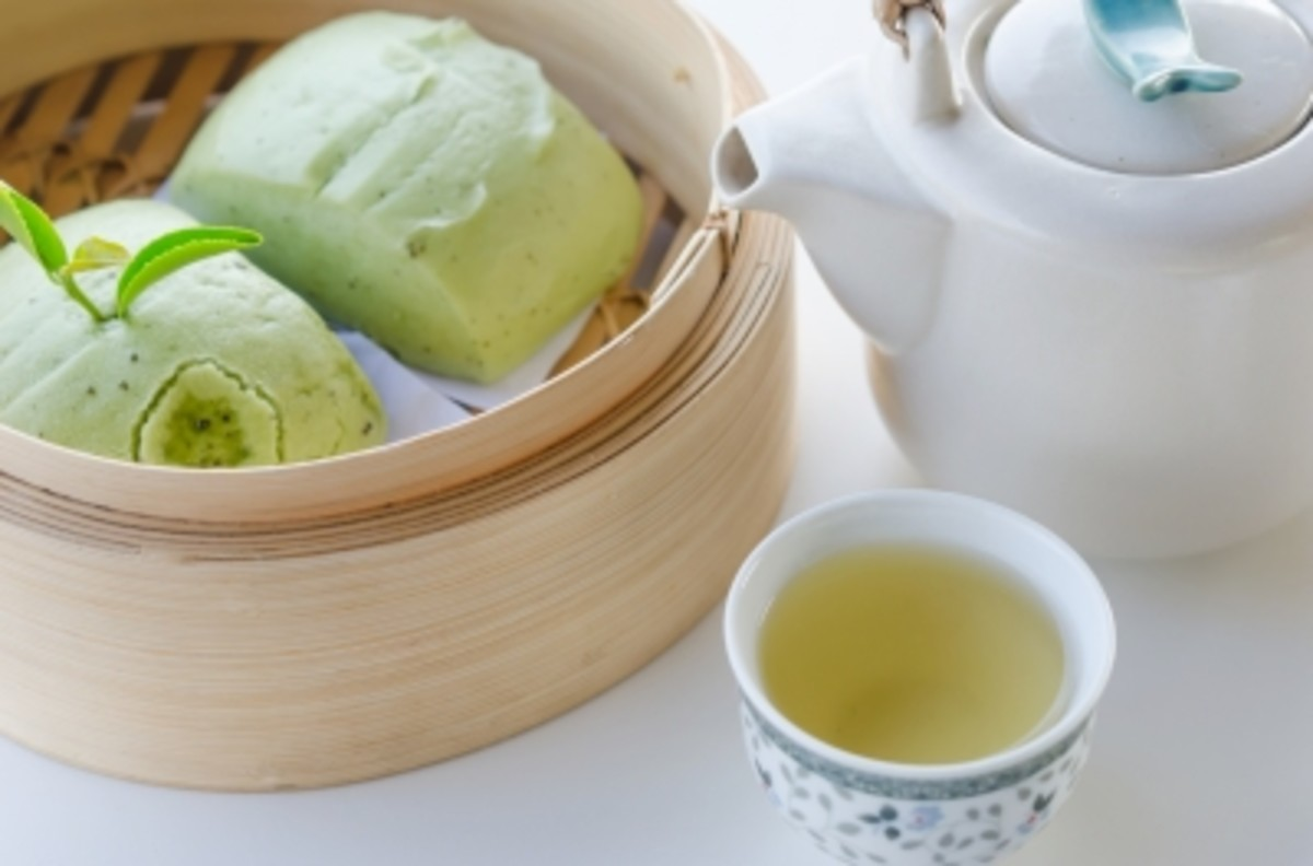 Green tea and mantou.