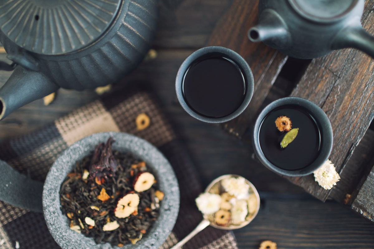 Consider traditional herbal remedies for treating your spleen qi deficiency.