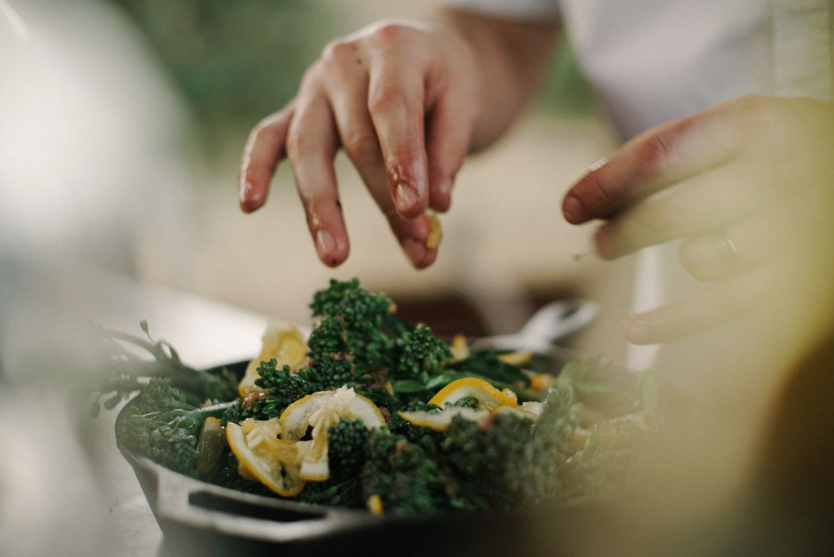 Home-cooked meals can be a better option for those who are spleen qi deficient.
